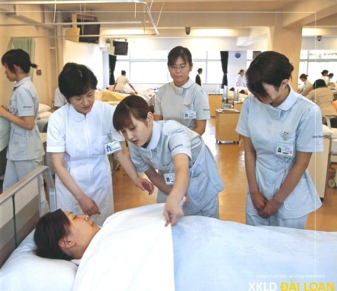 Cần tuyển nữ hộ lý làm ở Đài Bắc và Đài Trung | XKLD Đài Loan