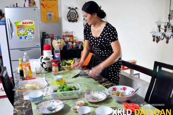 Tuyến gấp nữ giúp việc Đài Loan đi về rồi 1/2107 11
